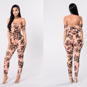 Fashion Nova Jumpsuit XS Flower pattern XS